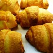 Gluténmentes túrós croissant