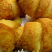 Gluténmentes sajtos croissant